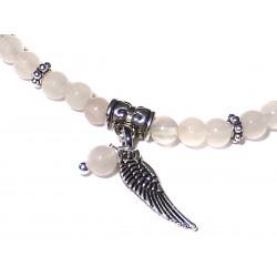 Armband Rosenquarz-Perlen 4 mm mit Engelsflügel und Perle Detail