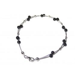 Schwarzer Turmalin-Perlen-Armband mit Silberkugeln auf Schmuckdraht Karabiener
