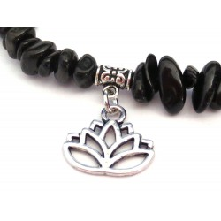 schwarzer Turmalin Splitter-Armband mit Lotusblüte Detail